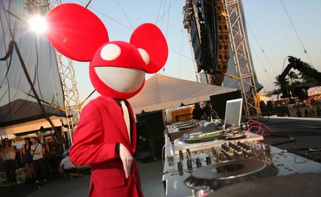 deadmau5 red suit - photo #7