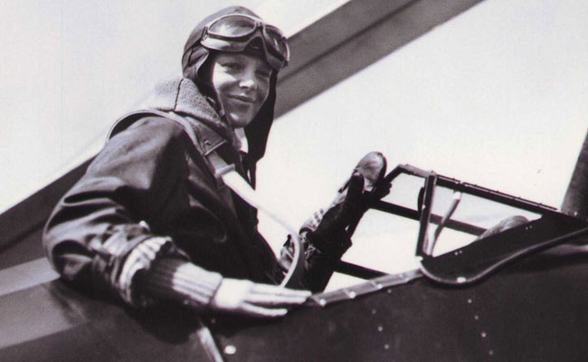 A biography of amelia earhart the first female aviator
