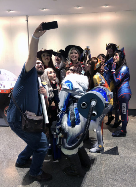 Fan gets Group Selfie with Mercies, D.Vas, Ashes, and Mei at Overwatch League Grand Finals