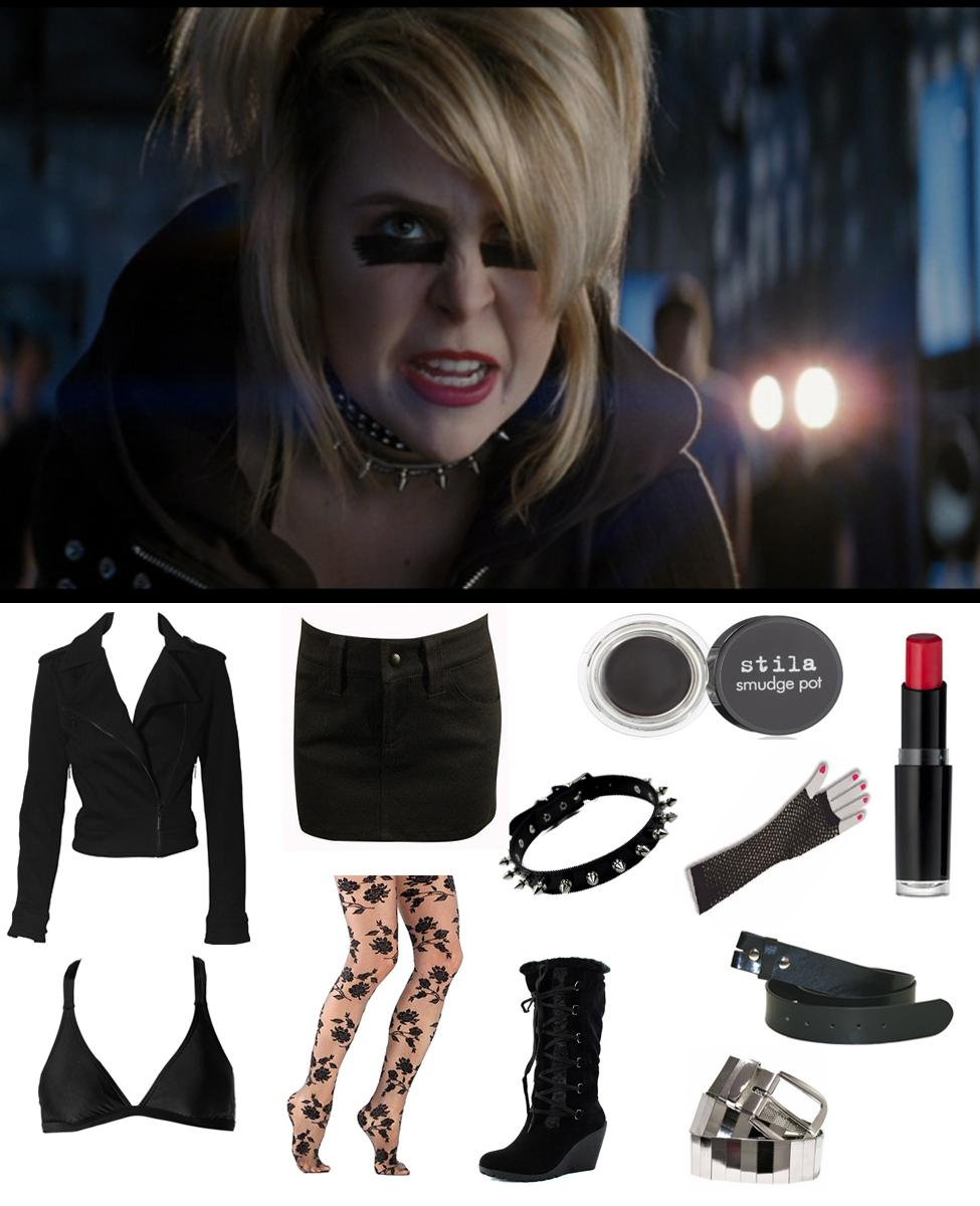 """Roxanne """"Roxie"""" Richter Cosplay Guide"""
